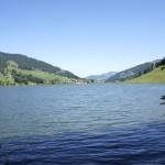 Der idyllische Schwarzsee lädt zum Bade