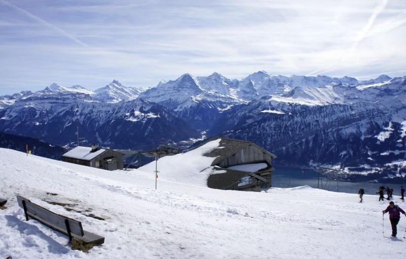Schlitteln und Wandern mit Eiger, Mönch und Jungfrau