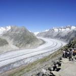 Asiatische Touristen am Gletscher
