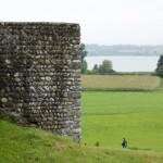 Der Pfäffikersee mit dem Kastell Irgenhausen im Vordergrund