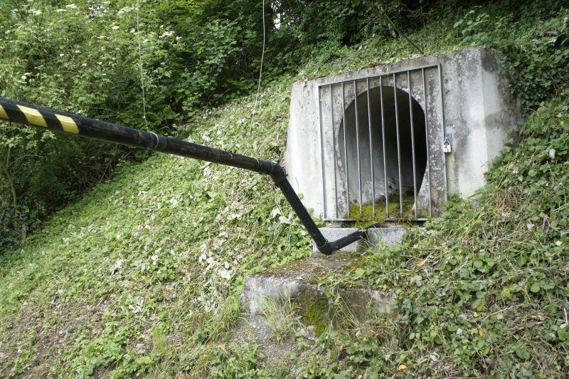 Wasserleitung übers Wasser